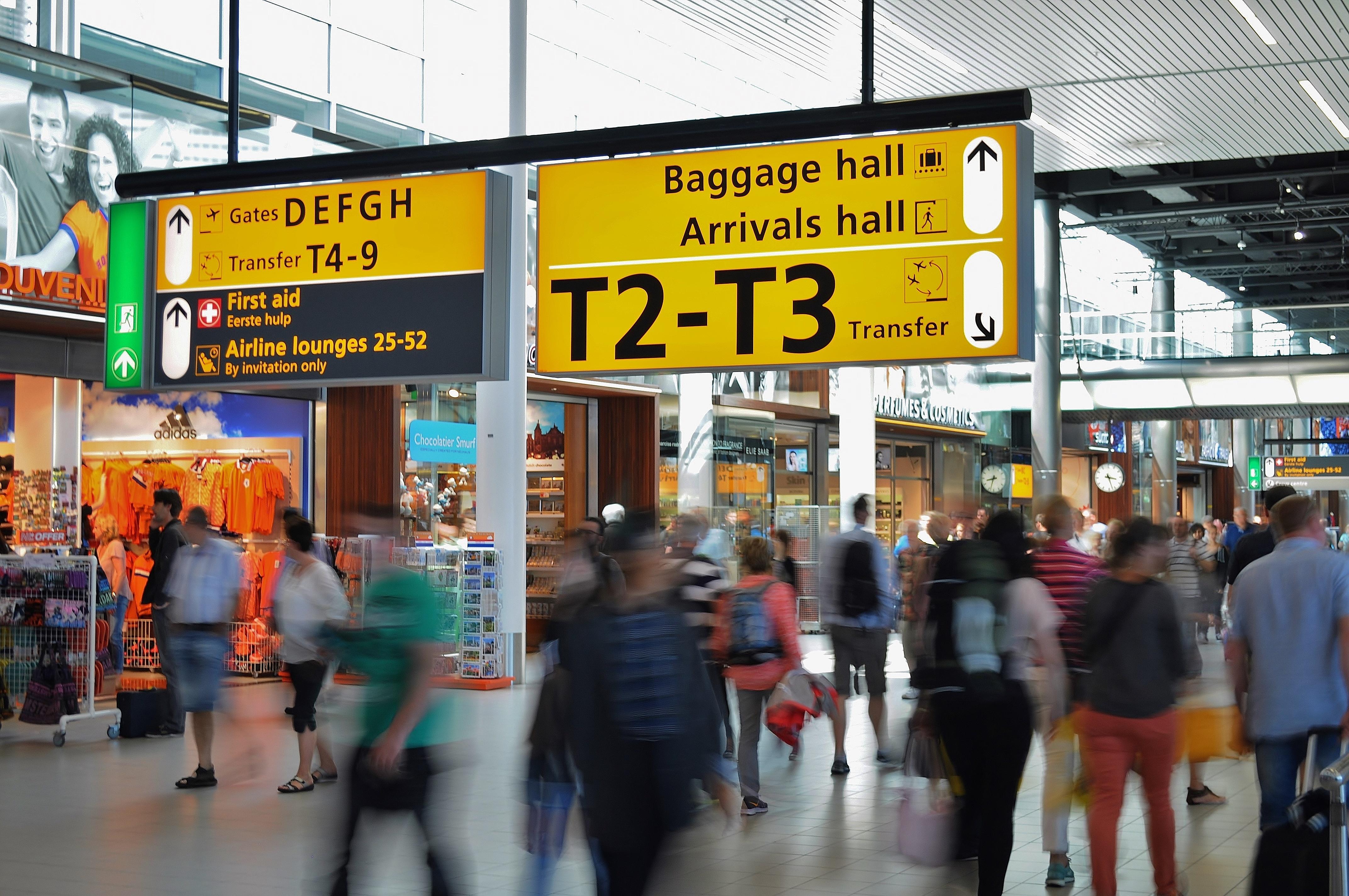 Pexels_AirportCrowd