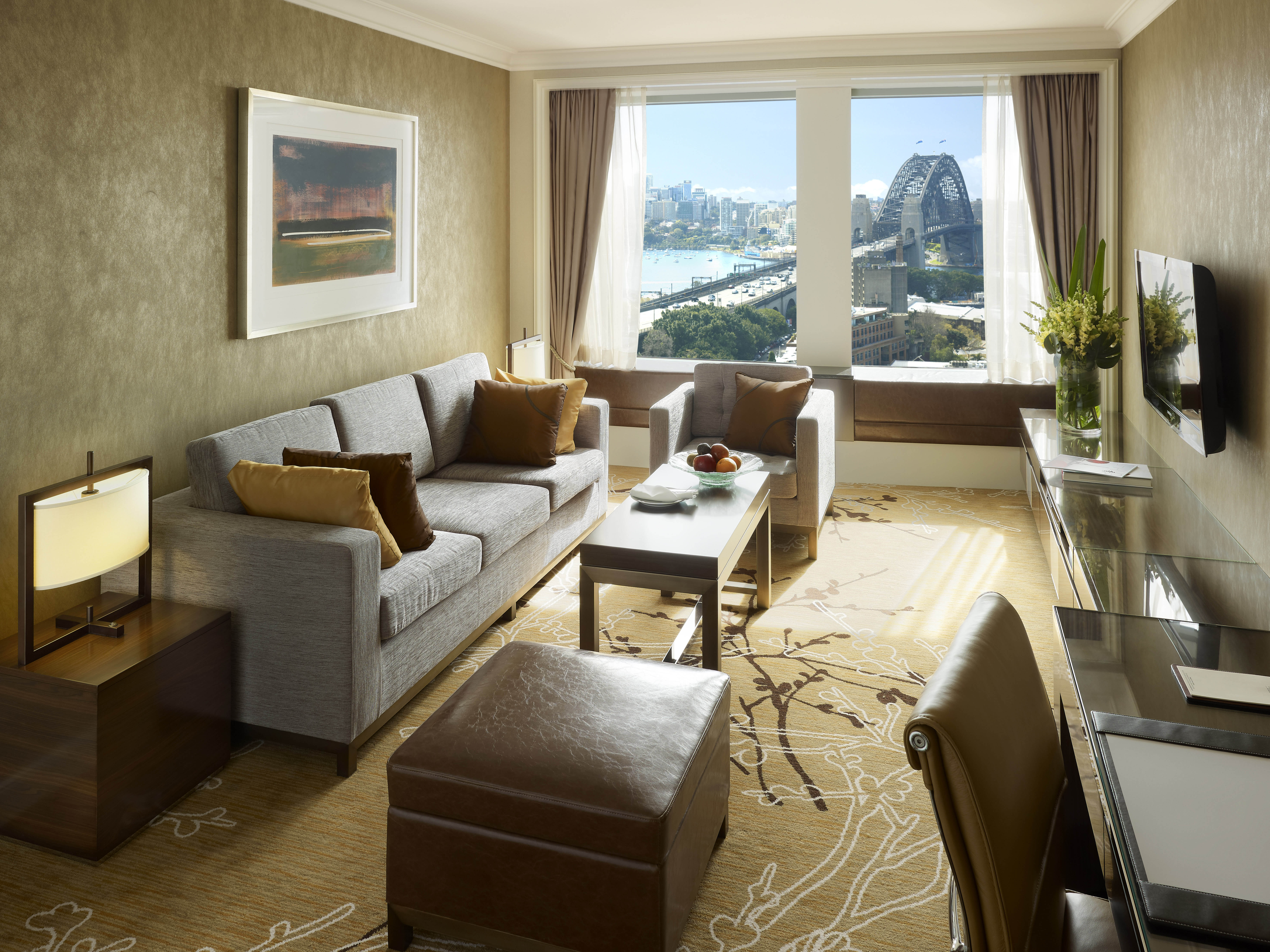 Shangri-La Hotel Sydney Executive Suite Lounge Room