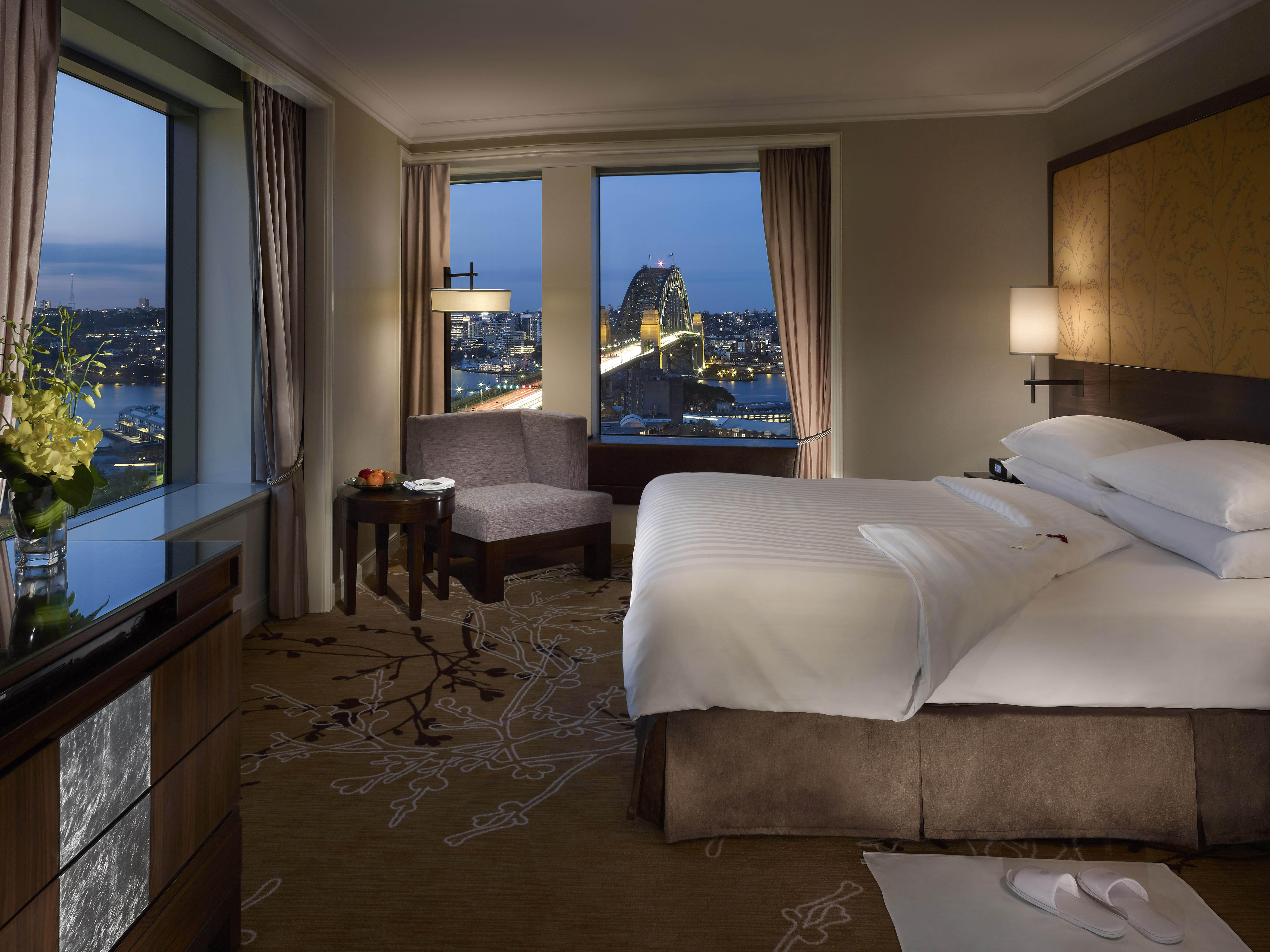 Shangri-La Hotel Sydney - Executive Suite Bedroom
