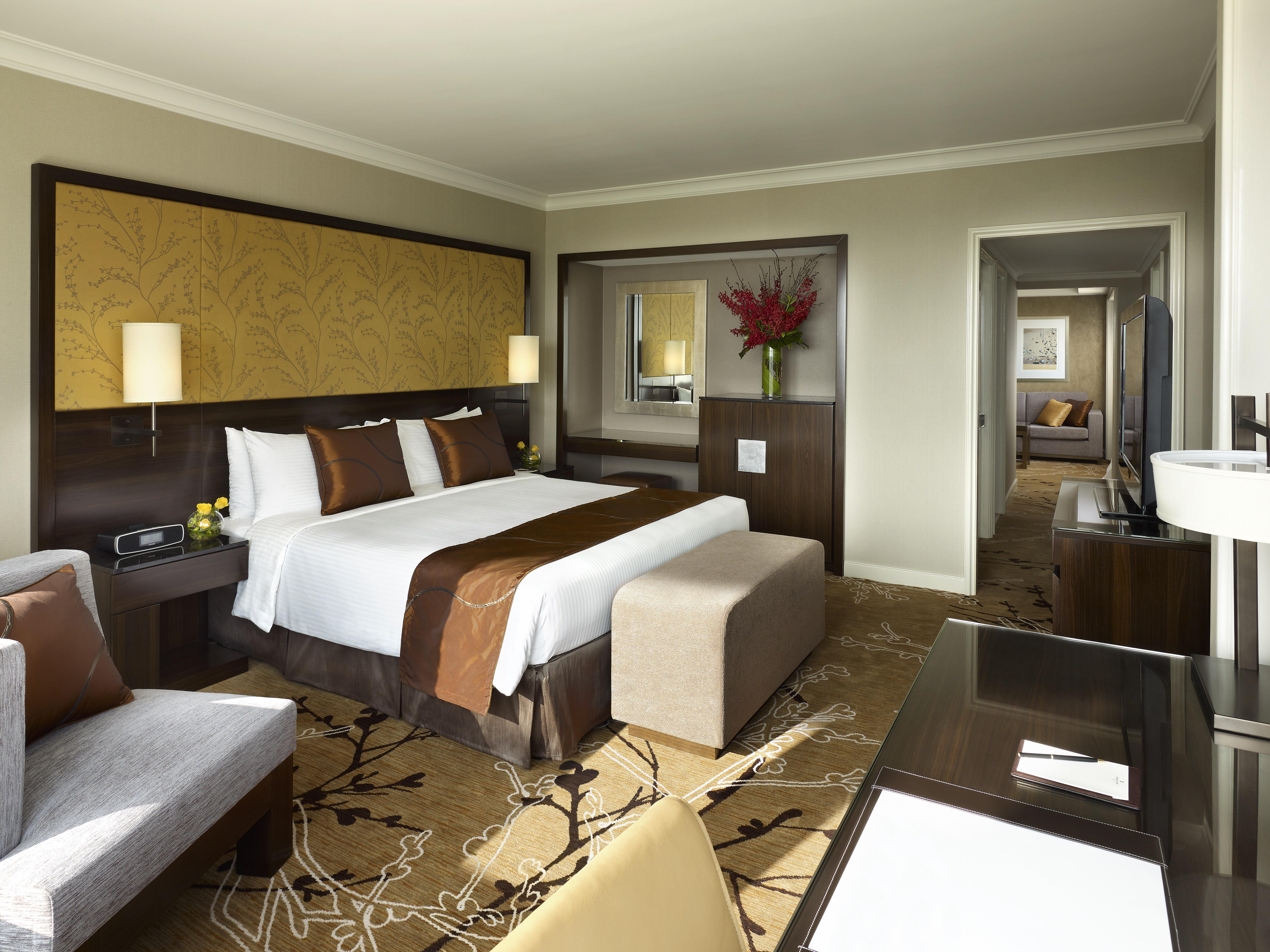 Shangri-La Hotel Sydney - Premier Darling Harbour View